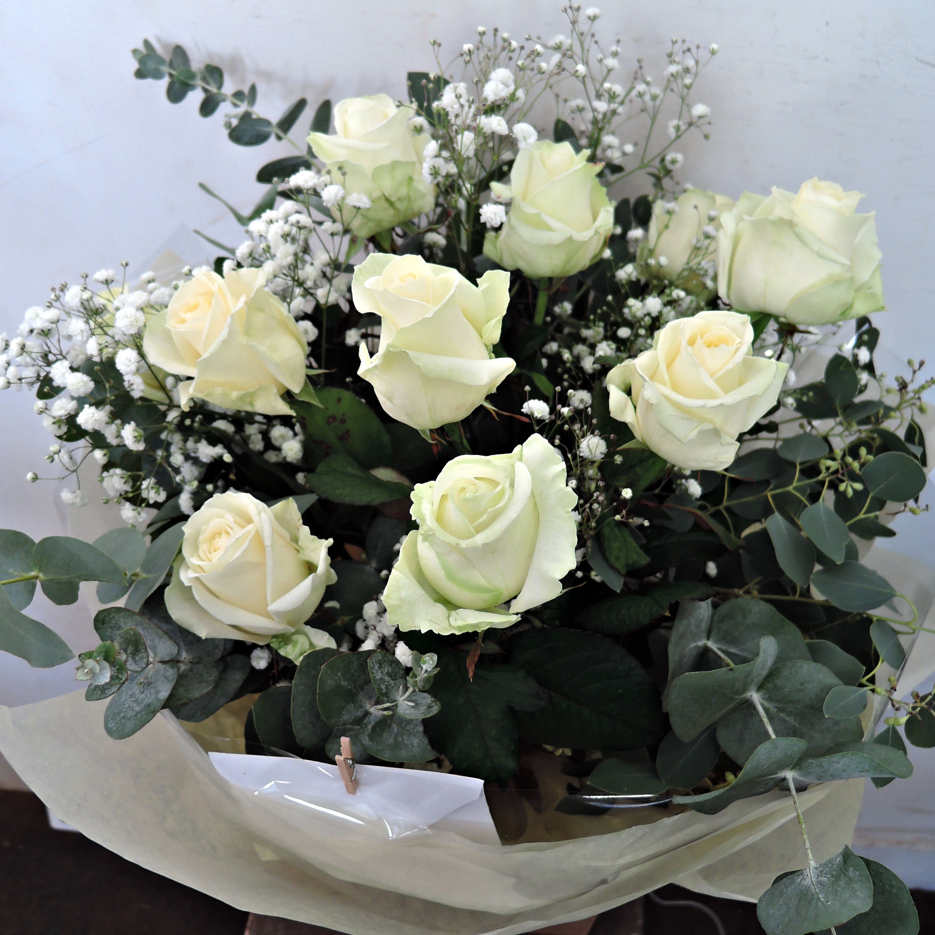 12 White Roses and Filler Bouquet – Libby Ferris Flowers